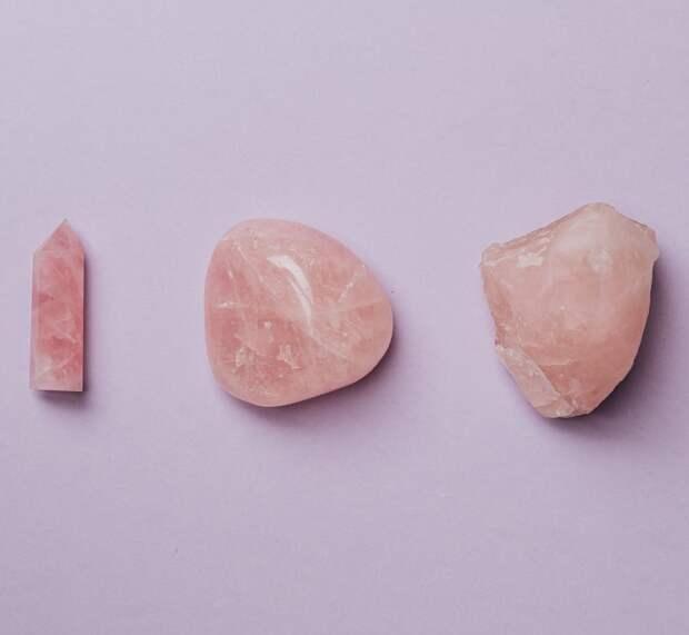 Розовый кварц: свойства камня