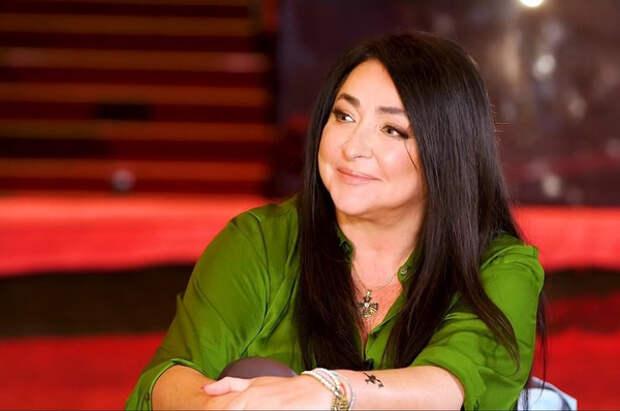 Лолита Милявская предупредила поклонников о прикрывающихся ее именем мошенниках
