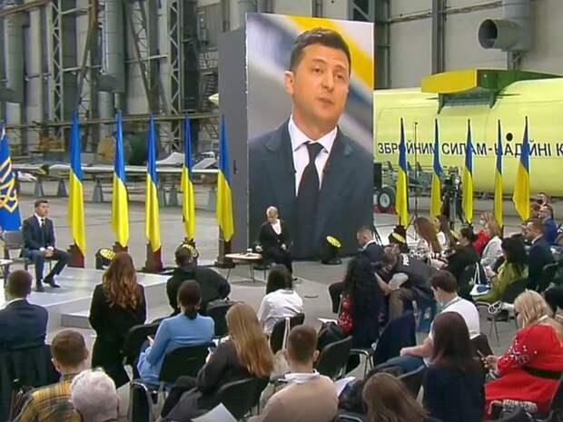 Больше половины украинцев не хотят, чтобы Зеленский баллотировался на второй срок