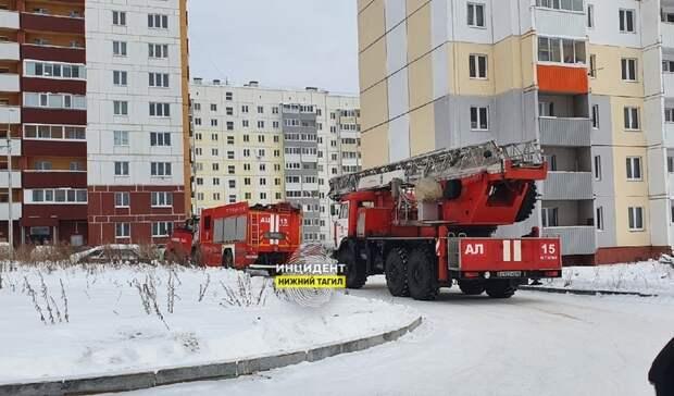 ВНижнем Тагиле из-за пригоревшей пищи приехали три пожарных машины