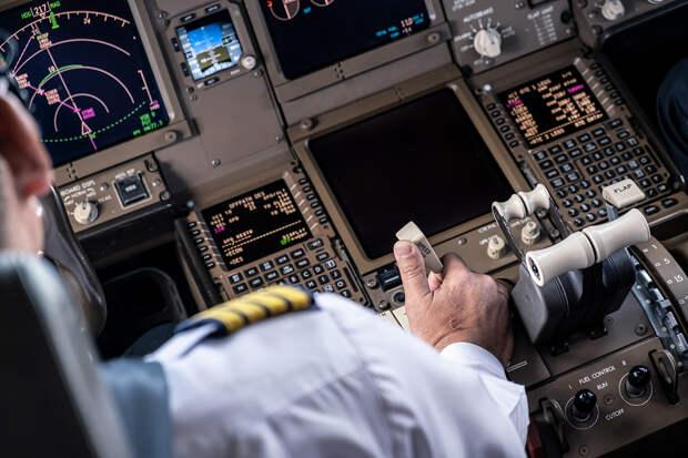 Американского пилота оштрафовали на $5 тысяч за просмотр порно в полёте