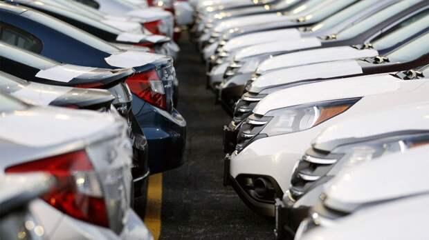 В США не успевают производить автомобили. Почему не хватает деталей?