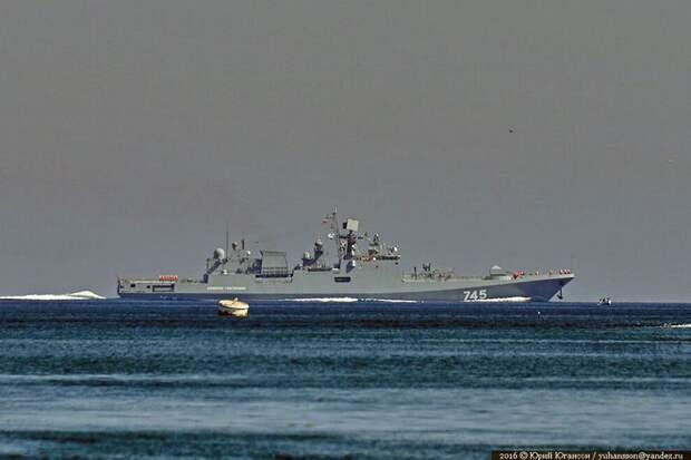 «Москва» и «Адмирал Григорович» уничтожили субмарину условного противника