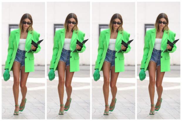 Джинсовые шорты + яркий блейзер = идеальный лук для...