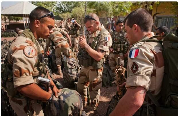 Франция просит помощи у России для эвакуации своих военных в Сирии