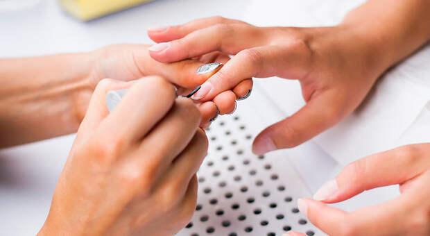 Вреден ли гель-лак дляногтей, что делать своспаленными заусенцами иеще 5 важных вопросов оманикюре