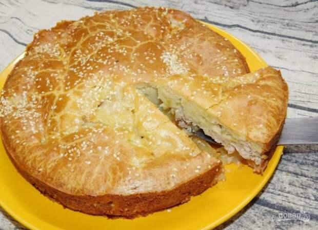 Быстрый заливной пирог с курицей и сыром