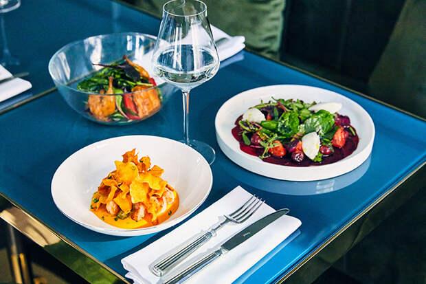 Гастровестник: Долгожданный «Павильон» на Патриках, ресторан имени Брижит Бардо и другие новости недели