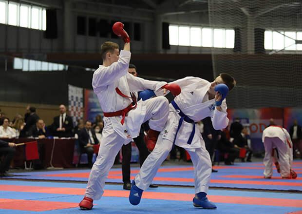 Рядовые спортивной роты ЦСКА из Севастополя завоевали две бронзовые награды на завершившемся первенстве России по каратэ