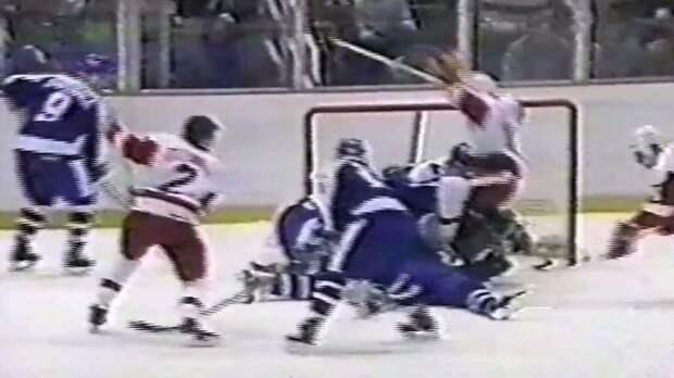 Жуткая травма легендарного хоккеиста. На лицо Салминга наступили коньком, операция шла всю ночь, наложили 300 швов