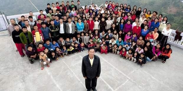 Умер глава самой большой семьи в мире, его оплакивают 39 вдов