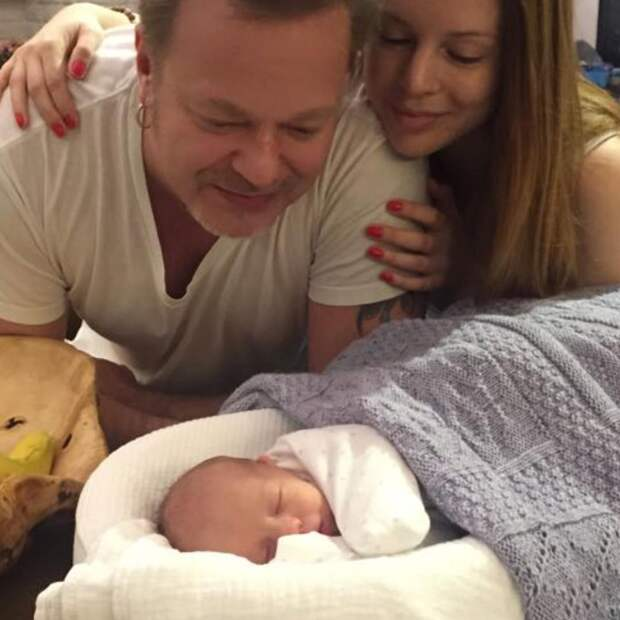 «Вот это счастье»: Пресняков и Подольская показали новорожденного малыша