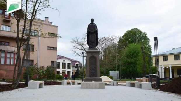 Новое пространство крымской столицы: промежуточные результаты и ход работ в сквере Сергия Радонежского