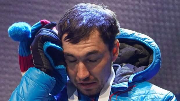 Логинов заплакал после победы в индивидуальной гонке в Антхольце: «Хотел бы, чтобы отец это видел»