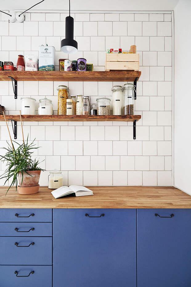 Жительница Копенгагена объединила две квартиры в одну и сделала кухню-столовую своей мечты
