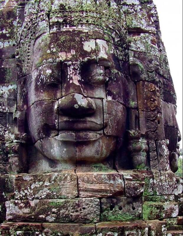Лица храма. Источник https://www.facebook.com/photo.php?fbid=10158297822606390&set=pcb.2636099086661210&type=3&theater