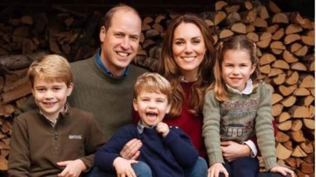 Принц Уильям и Кейт Миддлтон были пойманы за поеданием фастфуда с детьми