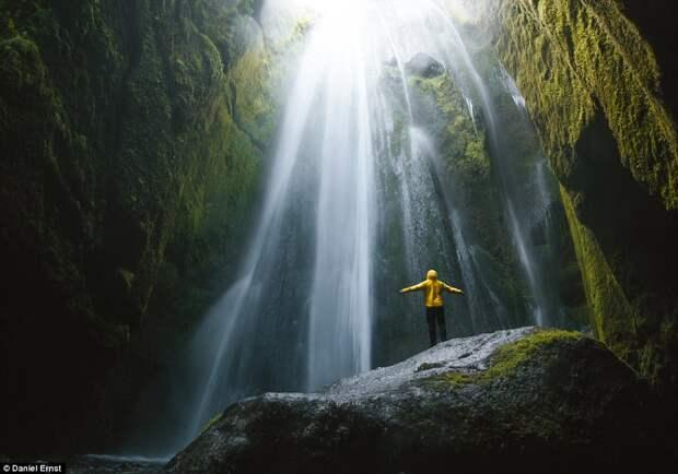 Водопад Gljúfrabúi