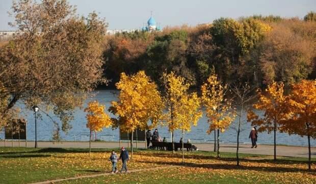 Переменная облачность, осадки и до 6 градусов тепла ожидается в столице 20 октября