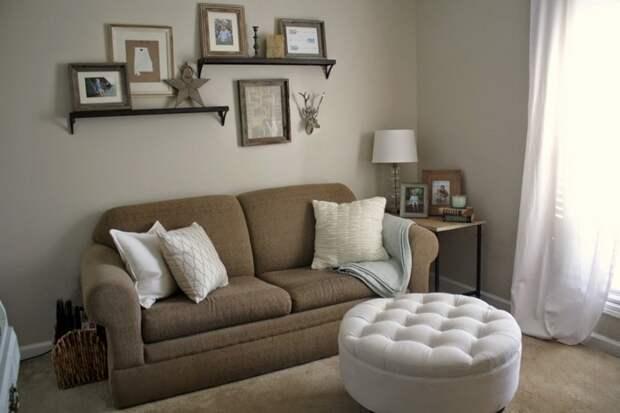 Оформление стены за диваном: не только стильно, но и функционально