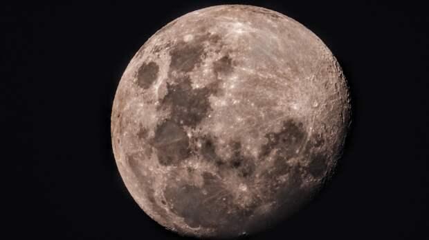 В NASA обеспокоены планами России и Китая отправить космонавтов на Луну