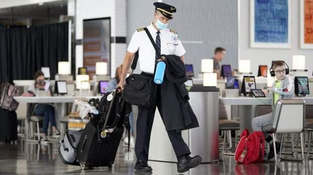 """Хьюстон, у нас проблемы: ураган """"Лаура"""" внес коррективы в работу техасского аэропорта"""