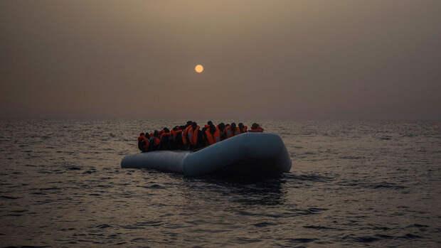 В Средиземном море погибли около 130 мигрантов