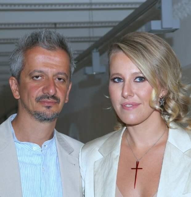 Сколько зарабатывают Ксения Собчак и её муж