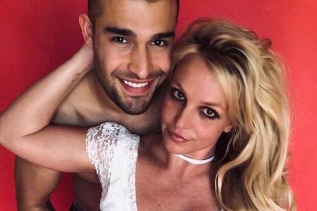 Зачем Бритни Спирс удалила Instagram?