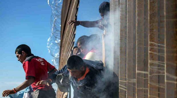 Владимир Карасёв: Техас и Аризона строят границы и вводят погранконтроль