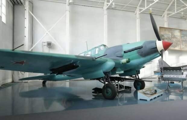 Немцы называли «самолётом из бетона»: о советском штурмовике Ил-2