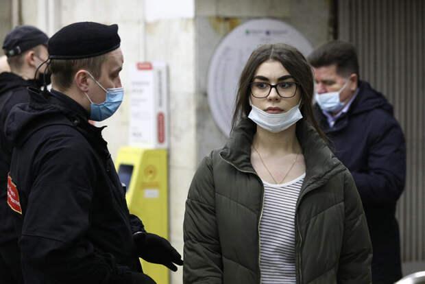 Врач объяснил молниеносное течение коронавируса в России