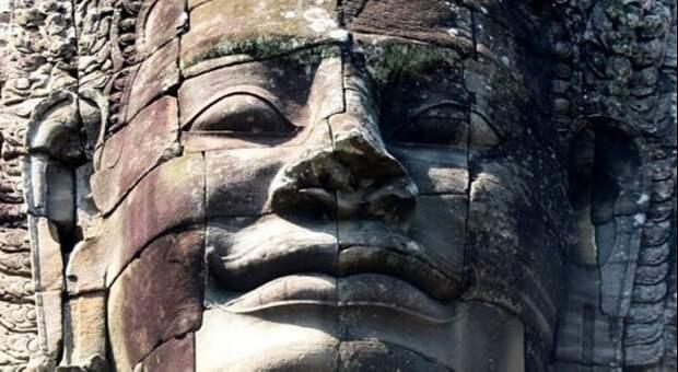 Лица храма. Источник https://www.facebook.com/photo.php?fbid=10158299052061390&set=p.10158299052061390&type=3&theater