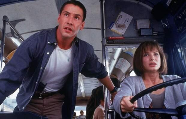 Социальная норма: благодарить водителя автобуса.