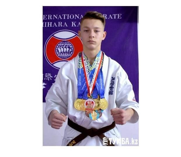 15-летний подросток из Казахстана отбил нападение четырех взрослых мужчин Актау, запад, казахстан, нападение, фишки, чемпион