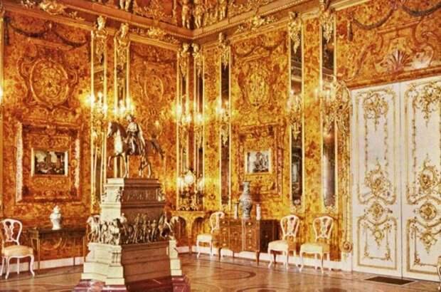 Легендарная Янтарная комната. \ Фото: lovemoney.com.