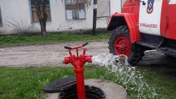 Специалисты ГКУ РК «Пожарная охрана Республики Крым» проводят испытания источников противопожарного водоснабжения в зонах своей ответственности