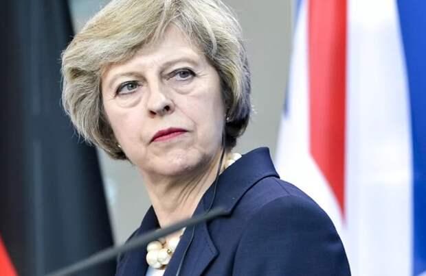 Тереза Мэй пообещала уйти с поста премьер-министра после Brexit