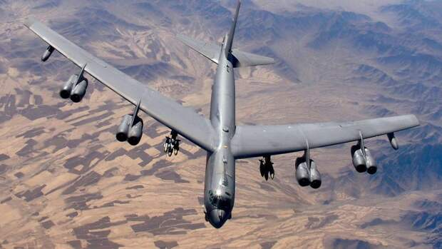 США назвали непрофессиональным перехват своего бомбардировщика над Черным морем