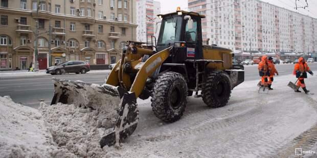 Почти полторы тысячи кубометров снега переплавили коммунальщики Аэропорта