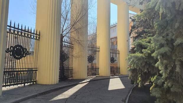 Дом Павлова с колоннадой. Современный вид
