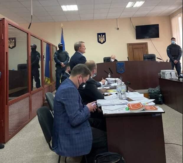Молчанов: Суд над Медведчуком станет для Зеленского точкой отсчета