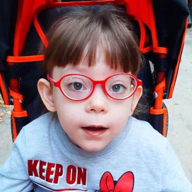 Вика Логинова, 7 лет, детский церебральный паралич, требуется лечение, 196978₽