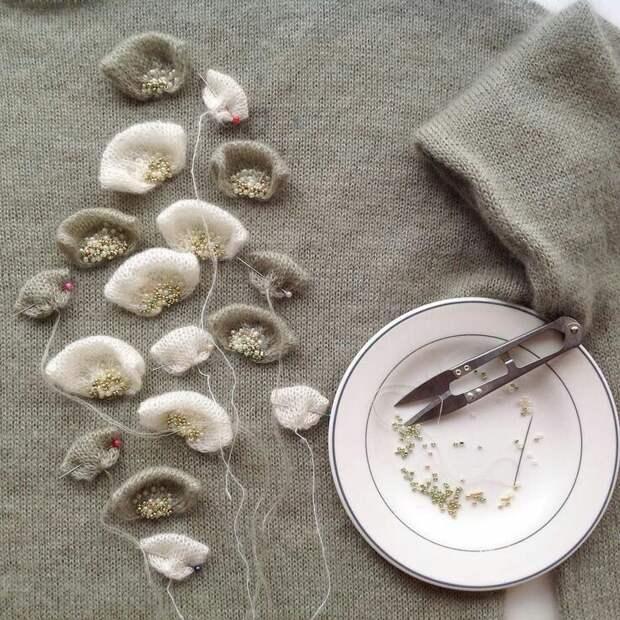 Цветы из ткани в работах дизайнеров и мастеров вышивки, фото № 16