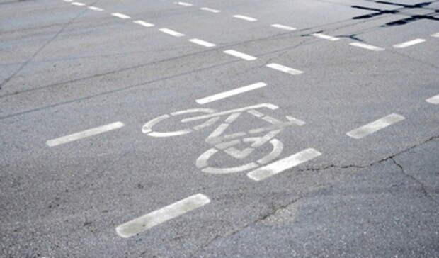 Вело-курьер наполном ходу сбил ребенка насамокате вЕкатеринбурге