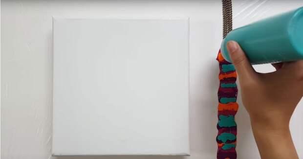Очень красивая и необычная техника рисования с помощью цепочки