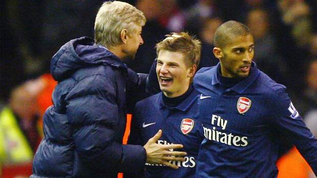 Как Аршавин отдал последний голевой пас за «Арсенал». Это случилось на «Олд Траффорд» в последний сезон Фергюсона