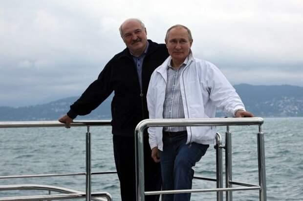 Путин и Лукашенко совершили морскую прогулку в Сочи