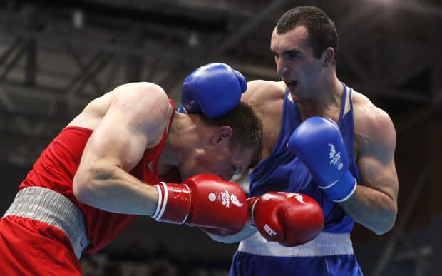 Гаджимагомедов вышел в финал Олимпиады раздельным решением судей. После боя он задался вопросом: а какой бой смотрел аргентинский арбитр? А вот Мамедов проиграл с нокдауном