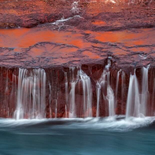 Водопад в инфракрасном. (Фото Hermine Jouan/Kolari Vision):